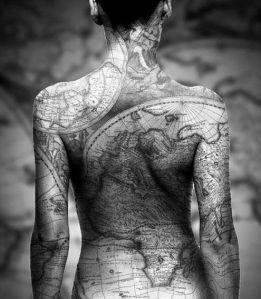 10-tatuajes-del-mapa-del-mundo-1